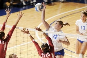 womens-volleyball-action